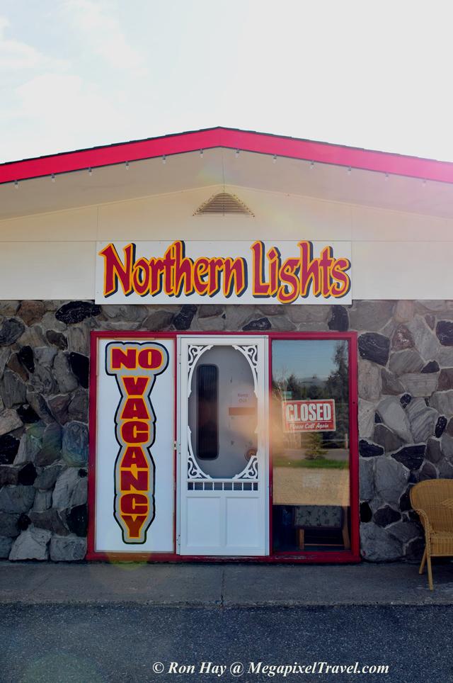 RON_3542-Northern-Lights-Mo