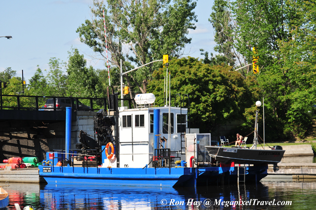 RON_3674-Blue-boat