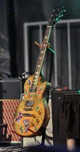 014_0540-guitar